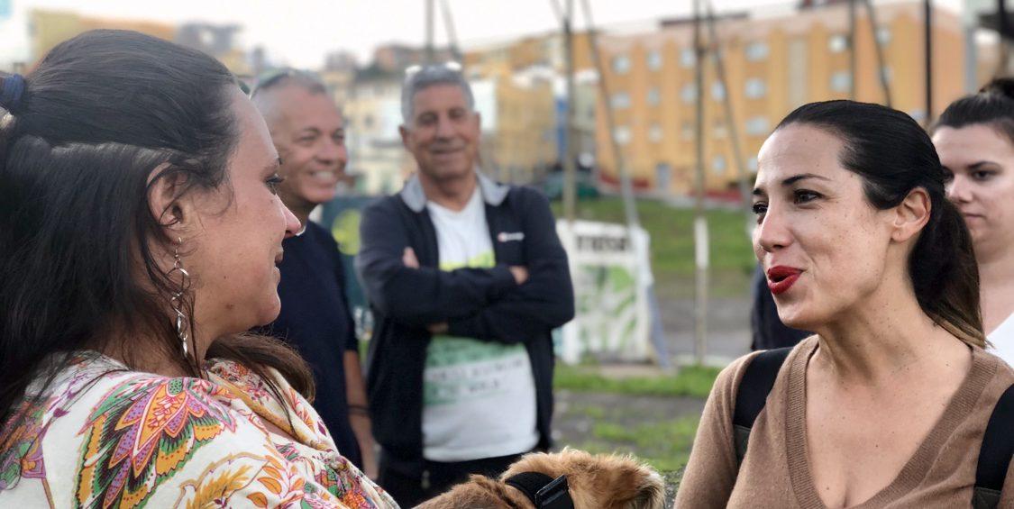 Patricia Hernández recorrió El Barrio de Azorín con los vecinos